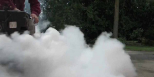 white smoke produced by lawn mower